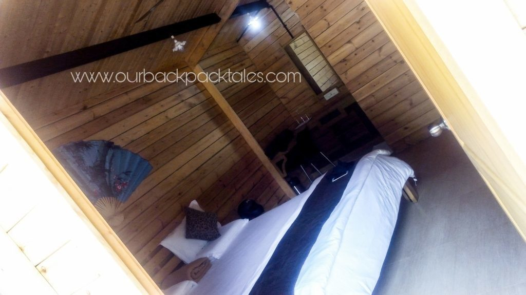 Coorg-coffee-estate-stay-wooden-houses-bedroom-view