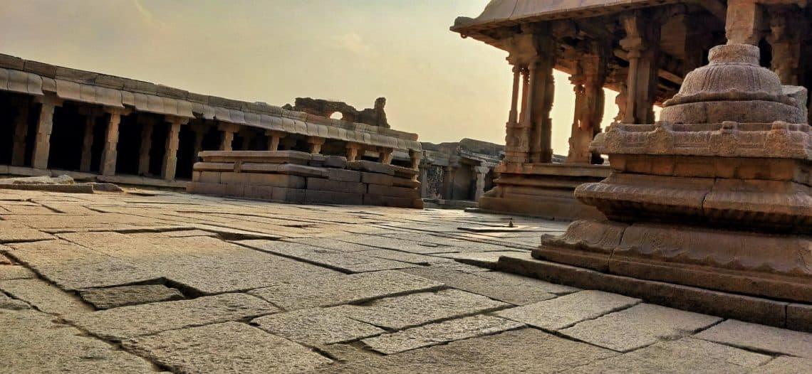 Sri-krishna-temple-entrance-hampi