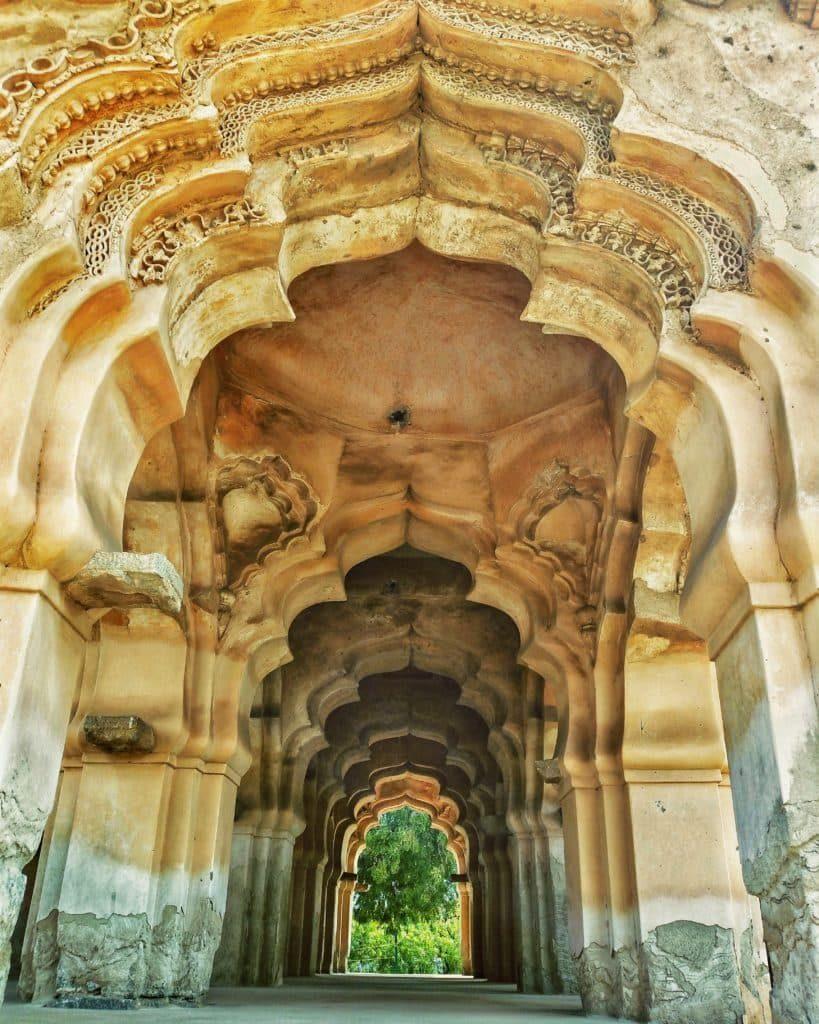 corridors-lotus-mahal-hampi-travel