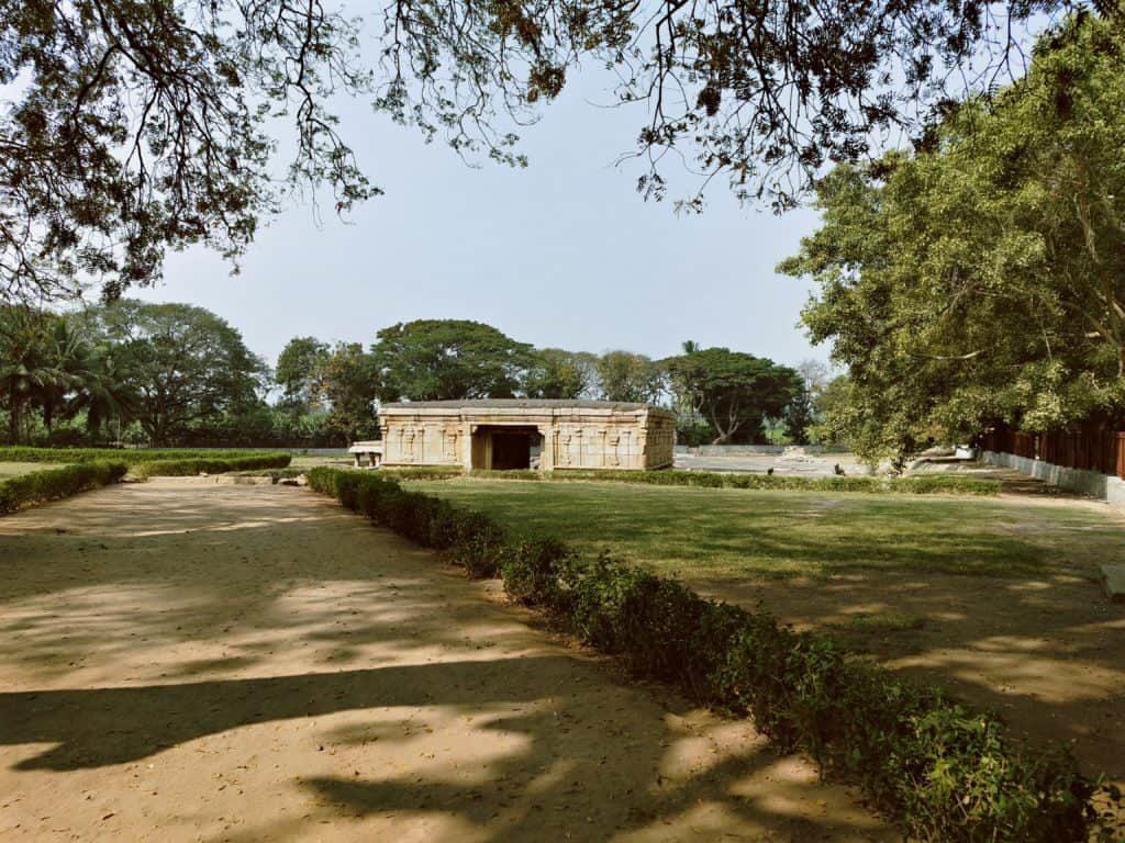 underground-shiva-temple-Hampi