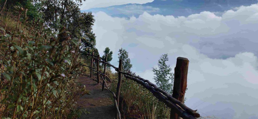 Kolukkumalai Peak view point