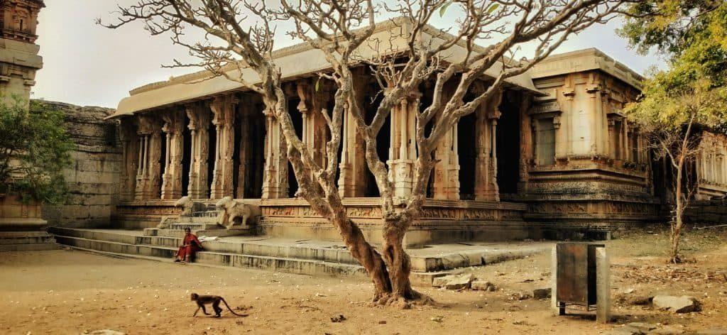 malyavantha-ragunatha-temple-hampi-ourbackpacktales