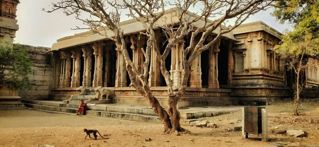 malyavantha-ragunatha-temple-hampi-ourbackpacktales