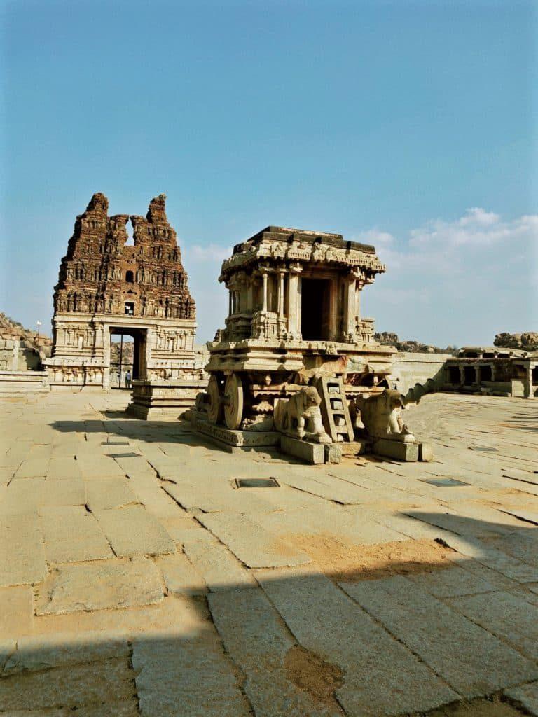 stone-chariot-in-vijaya-vittala-temple-hampi-travel-blog