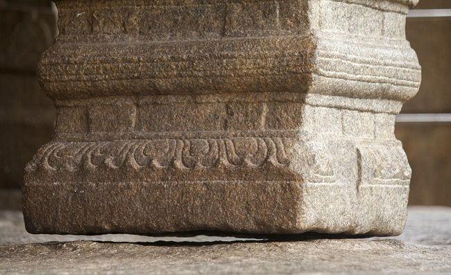 lepakshi-temple-hanging-pillars