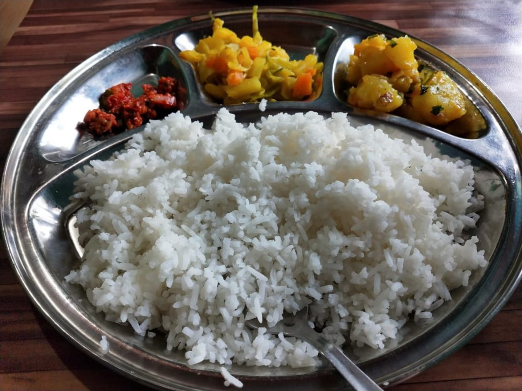vegetarian-thali-bhutan-travel