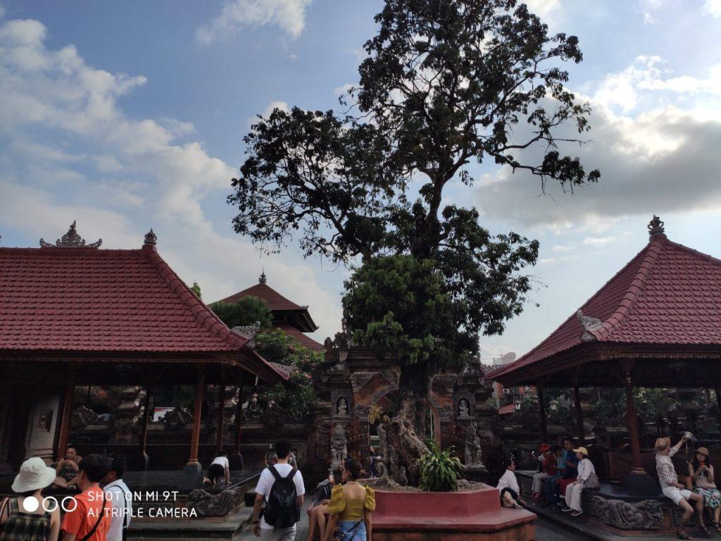 Ubud Palace in Bali Travel Blog