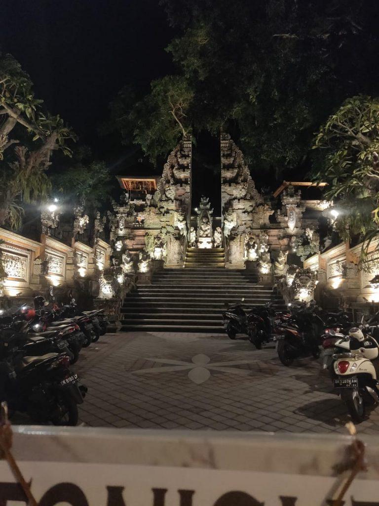 Uluwatu Cliff temple in Bali travel blog