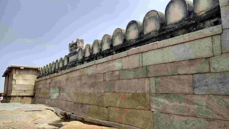Lepakshi Temple stone walls