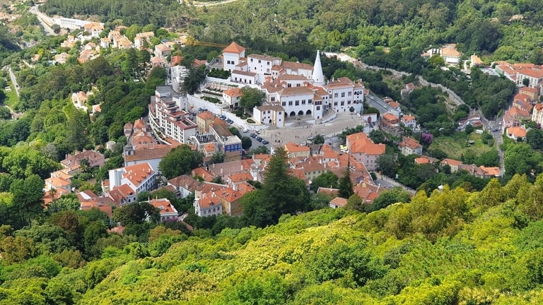 Pena Palace hiking trail in Sintra, Lisbon