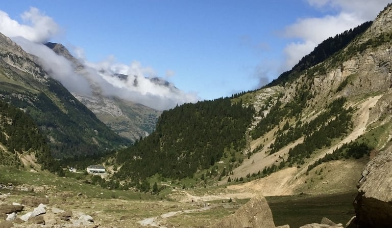 Cirque de Gavarnie hiking trail in France
