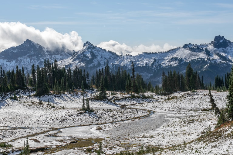 Skyline hiking Trail in Washington one of the best hiking trails in North America